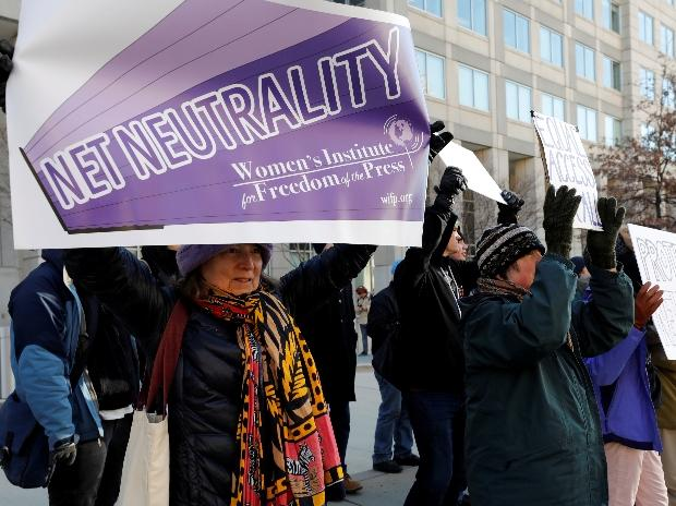 FCC repeals net neutrality rules amid protests